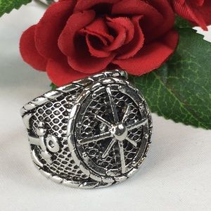 Kaki Jo's Closet Accessories - Men's Stainless Steel Compass Ring